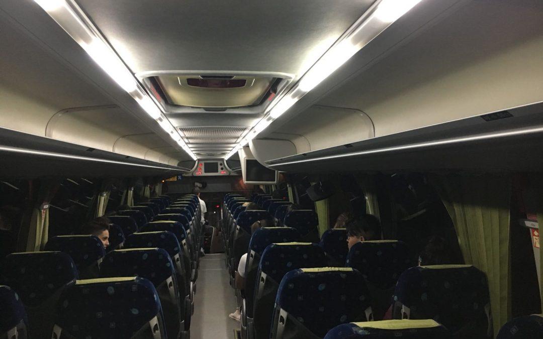 El Ayuntamiento de Albatera firma un acuerdo con Bus Sigüenza y la Asociación Universitaria La Armengola para el transporte universitario