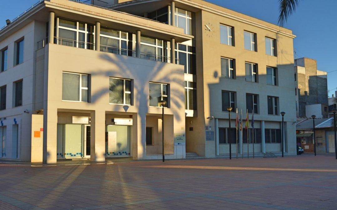 El Ayuntamiento adjudica el servicio de limpieza de edificios públicos a STV y TSC Ingeniería Urbana