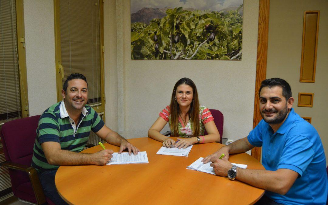 El Ayuntamiento de Albatera y el Albatera Sporting firman un convenio de cooperación para la temporada 2017/2018