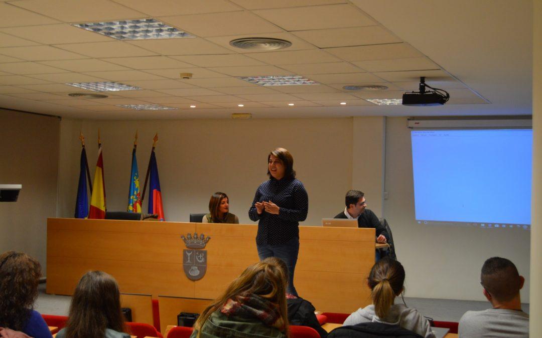 Arrancan los cursos de inglés del Ayuntamiento de Albatera