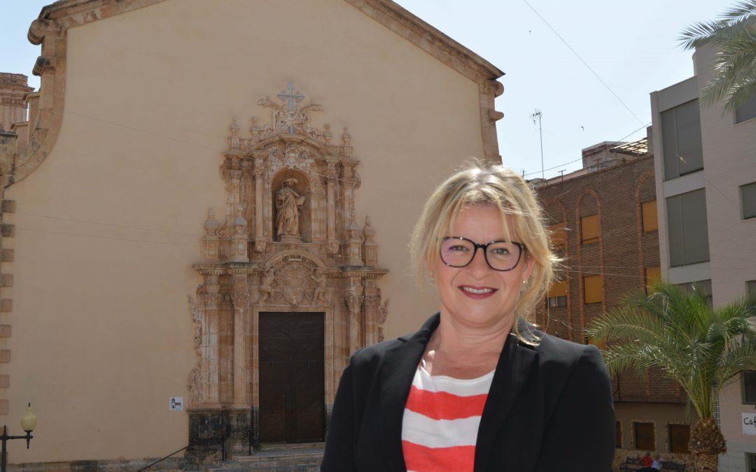 Ana Serna presenta las Fiesta Patronales de Albatera 2018 en honor a Santiago Apóstol
