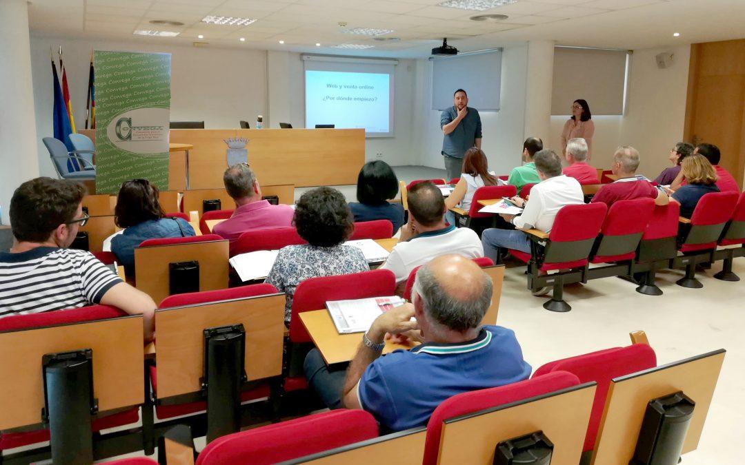 Empresarios y comerciantes de Albatera reciben formación en comunicación y marketing digital
