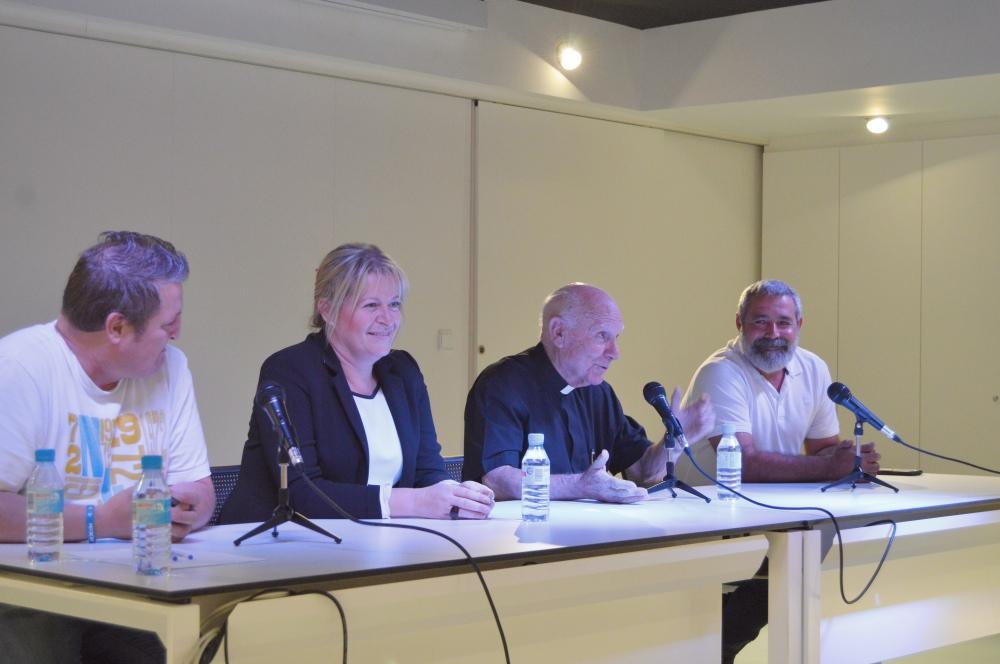 El ayuntamiento de Albatera reconoce la labor de D. Francisco Hernández Espinosa