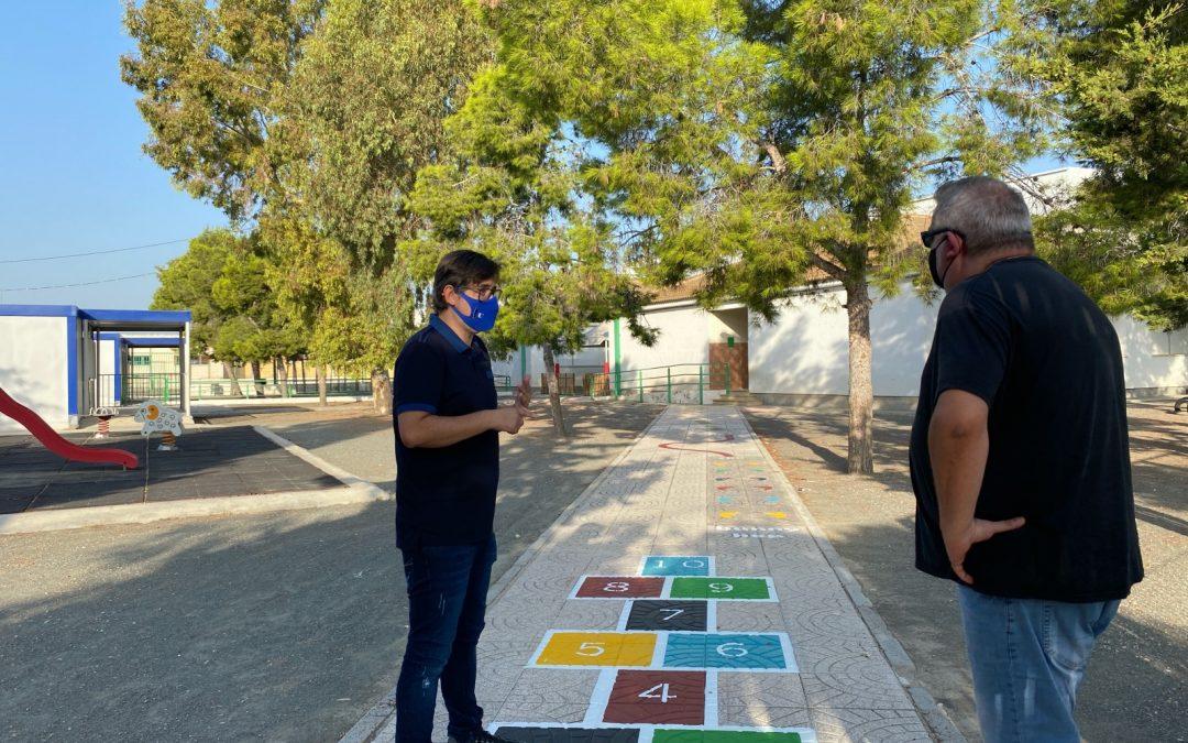 Educación acondiciona los colegios en Albatera en un curso marcado por la COVID-19