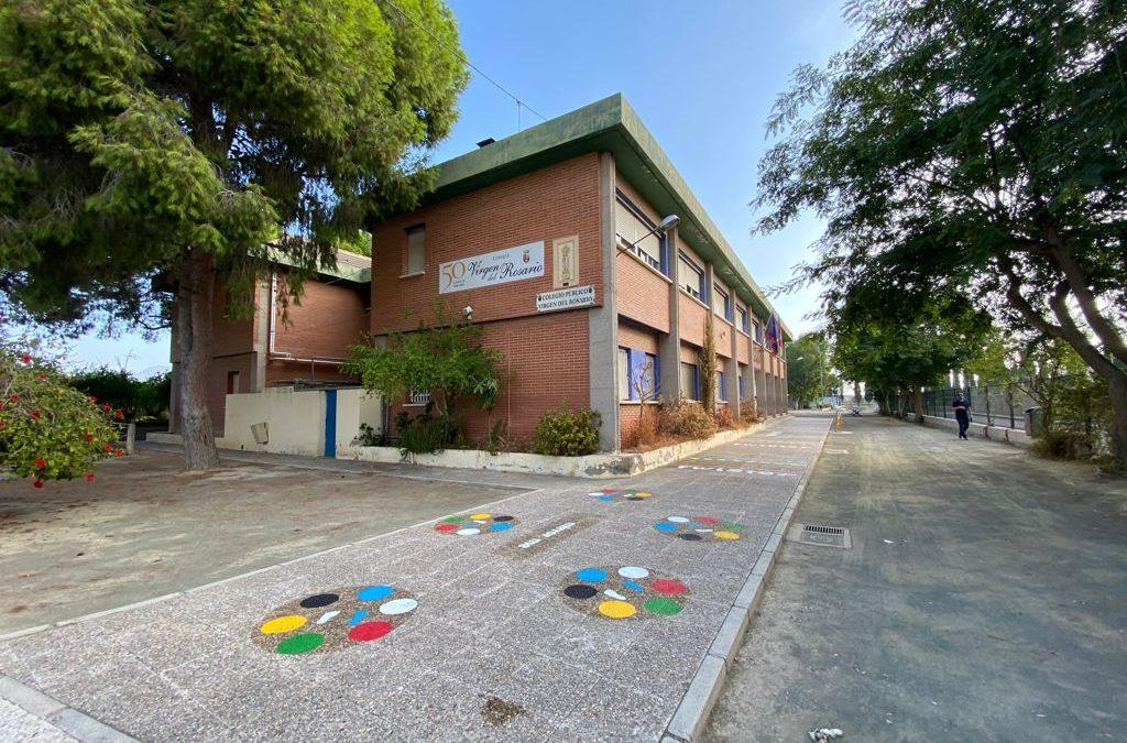 El Ayuntamiento adjudica los servicios de limpieza y consejería de edificios públicos
