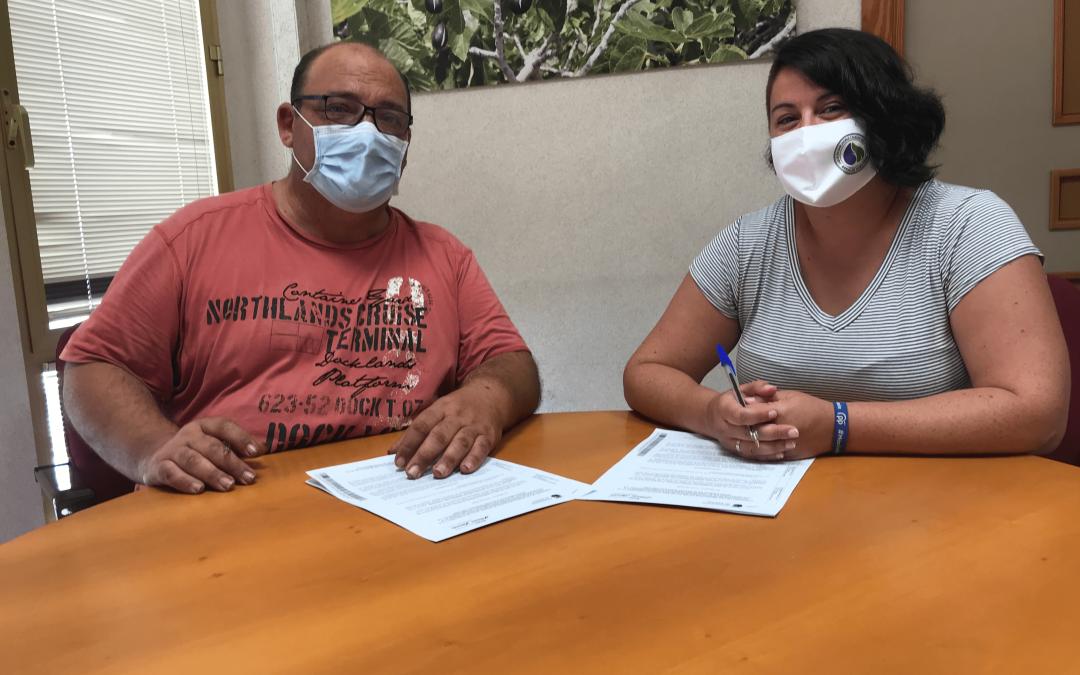 Albatera firma el convenio de la breva de la localidad con la Asociación de Productores de Breva de Albatera